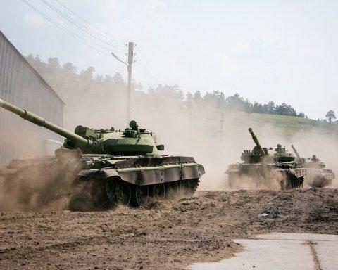 Бойовики підняли танки та гармати: що відбувається на Донбасі
