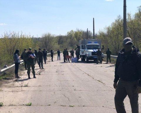 Бойовики на Донбасі передали Україні півсотні ув'язнених: опубліковано фото