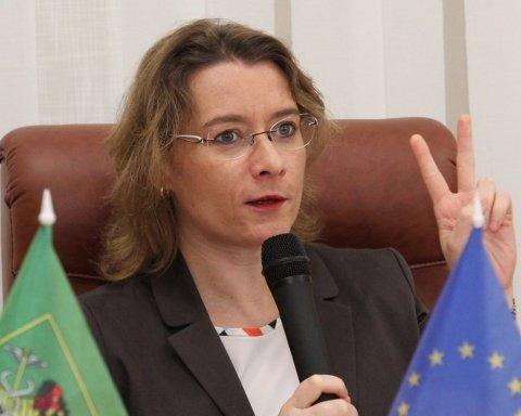 Пожежа у Нотр-Дам де Парі: посол Франції не лише обурилася жарту українця