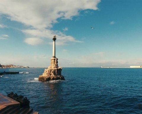 Як виглядає відкриття літнього сезону в окупованому Криму: мешканці показали фото