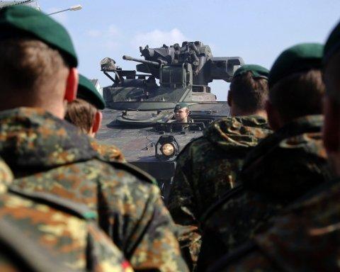 НАТО стягивает тысячи военных к границам России: что происходит