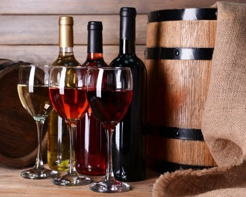 Ученые нашли связь между употреблением вина и риском депрессии