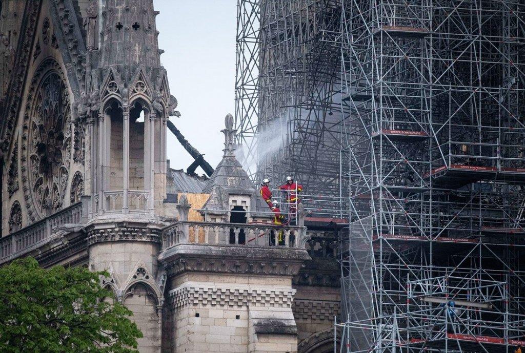 З'явилися перші фото згорілого Собору Паризької Богоматері з космосу