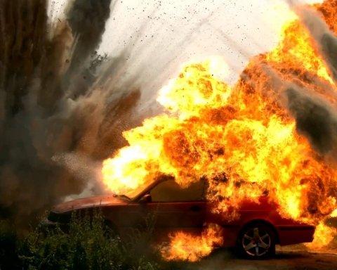 Автомобіль вибухнув прямо на очах: у Дніпрі сталася жахлива НП