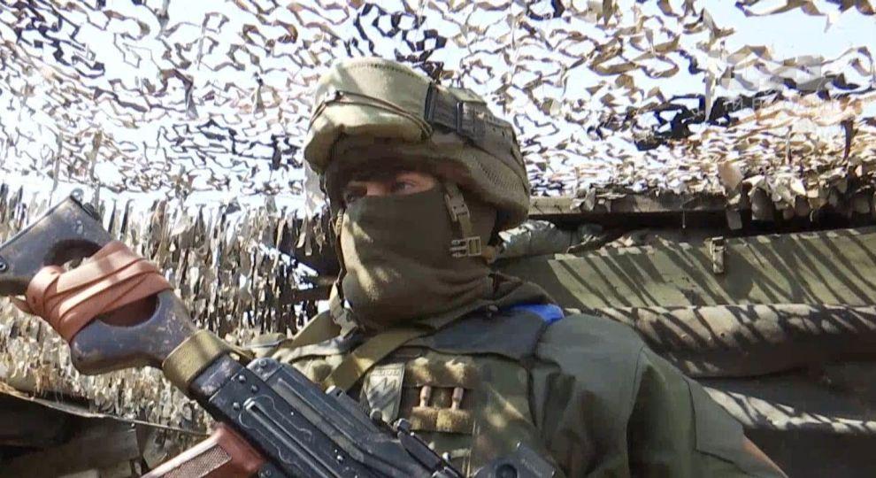 Обострение на Донбассе: враг не прекращает использовать запрещенное оружие