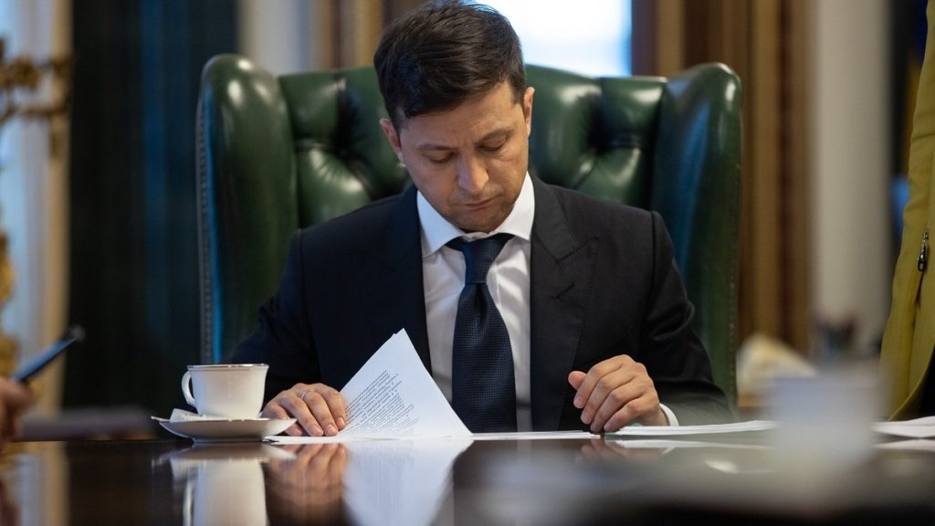 Зеленський підписав указ про розпуск Верховної Ради та призначив дату дострокових виборів