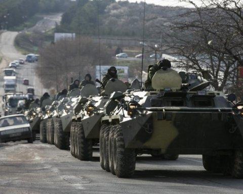 В оккупированном Крыму стягивают большое количество военной техники РФ: появились фото