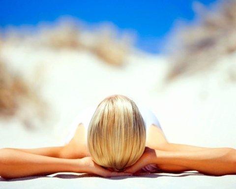 Ученые предупредили об опасности солнцезащитных кремов: что нужно знать