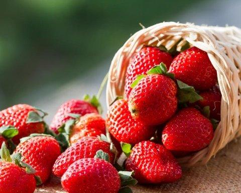 Як їсти полуницю без шкоди для здоров'я: корисні поради