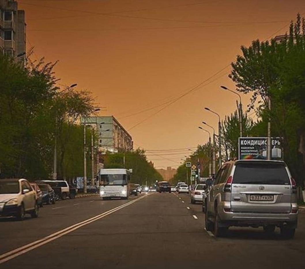 Небо стало жовтим: незвичайне явище в Росії потрапило на фото