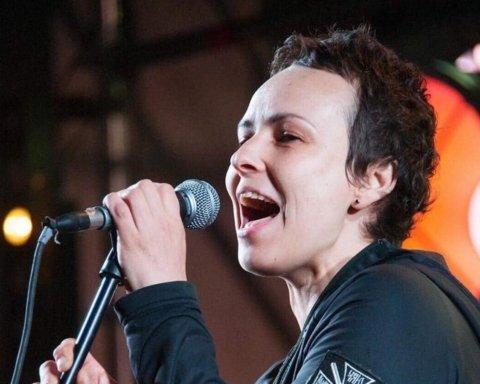 """Бойовиків """"ДНР"""" розважила скандальна російська співачка: все потрапило на фото"""