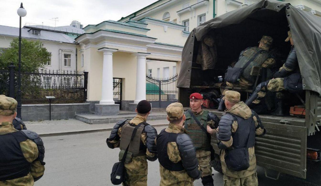 Так само було у Криму: в мережі показали цікаві фото з Росії