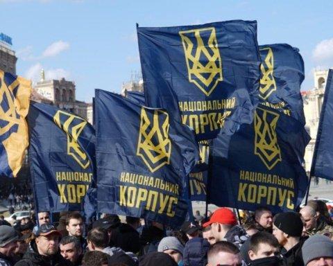 На найбільшому ринку України сталася бійка між Нацкорпусом та поліцією: подробиці