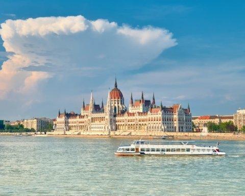 В Будапеште затонул катер с десятками туристов, погибло много людей: появились фото с места ЧП