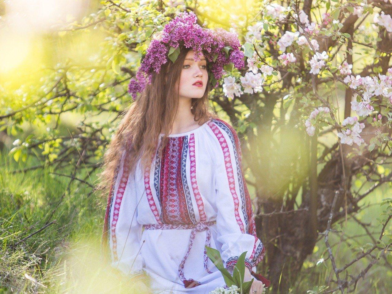 День вишиванки: красиві привітання та листівки