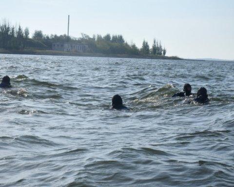 Бойцы ВСУ провели мощную тренировку на Черном море: яркие кадры