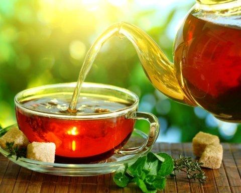 Медики попередили про небезпеку чаю: що потрібно знати
