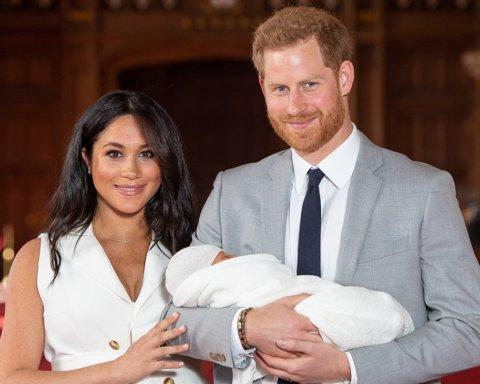 Стало відомо, як принц Гаррі і Меган Маркл назвали сина
