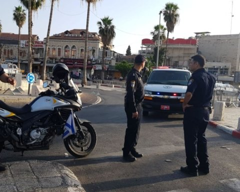 В Єрусалимі стався теракт: терорист з ножем напав на перехожих, є поранені
