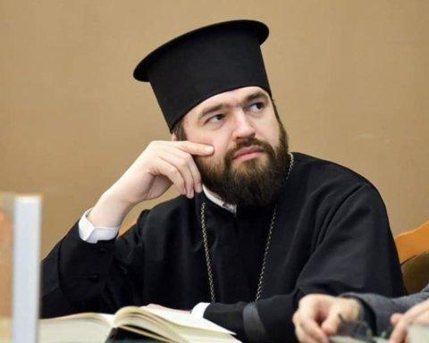 За нарушение присяги: Филарет принял жесткое решение в отношении известного священника