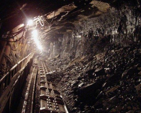 На українській шахті стався обвал, є загиблі: перші подробиці НП