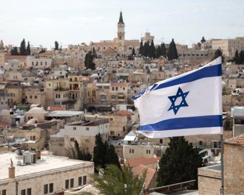 Сотні ракет та багато загиблих: на відео показали загострення конфлікту в Ізраїлі