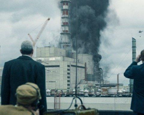 """Український письменник звинуватив творців серіалу """"Чорнобиль"""" у плагіаті"""