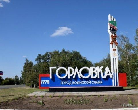 """Як бойовики """"ДНР"""" розпилюють Донбас у прямому сенсі: з'явились фото з окупації"""