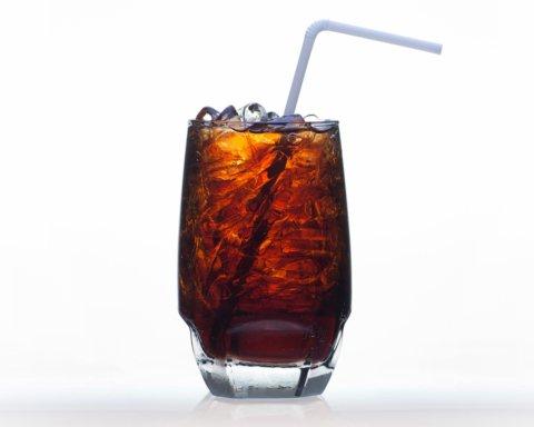 Медики пояснили, як дієтичні напої впливають на схуднення