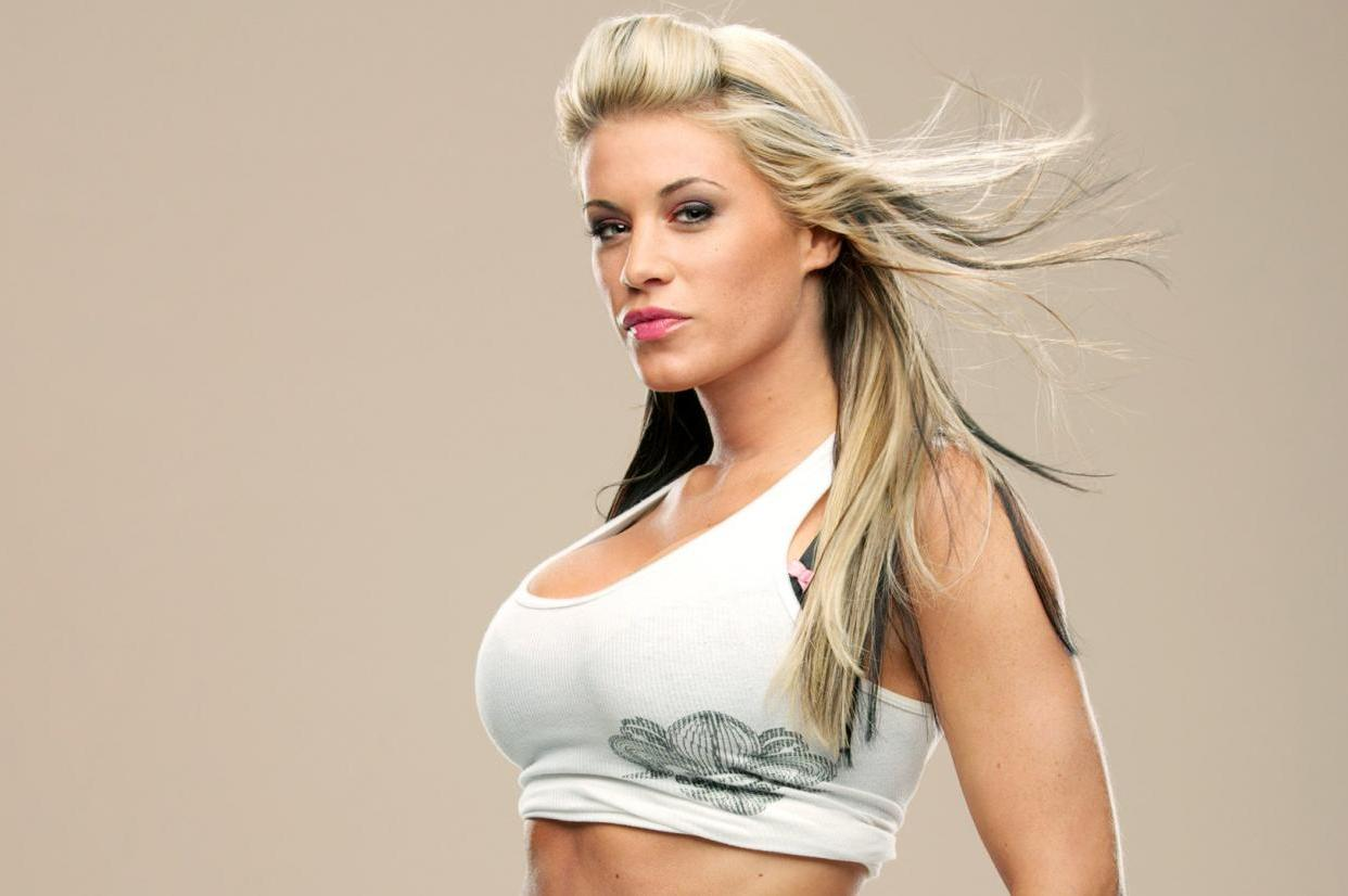 ashley massaro - 4 дня