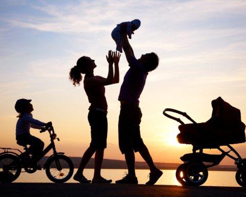 День сім'ї: що треба знати про свято та як відзначають