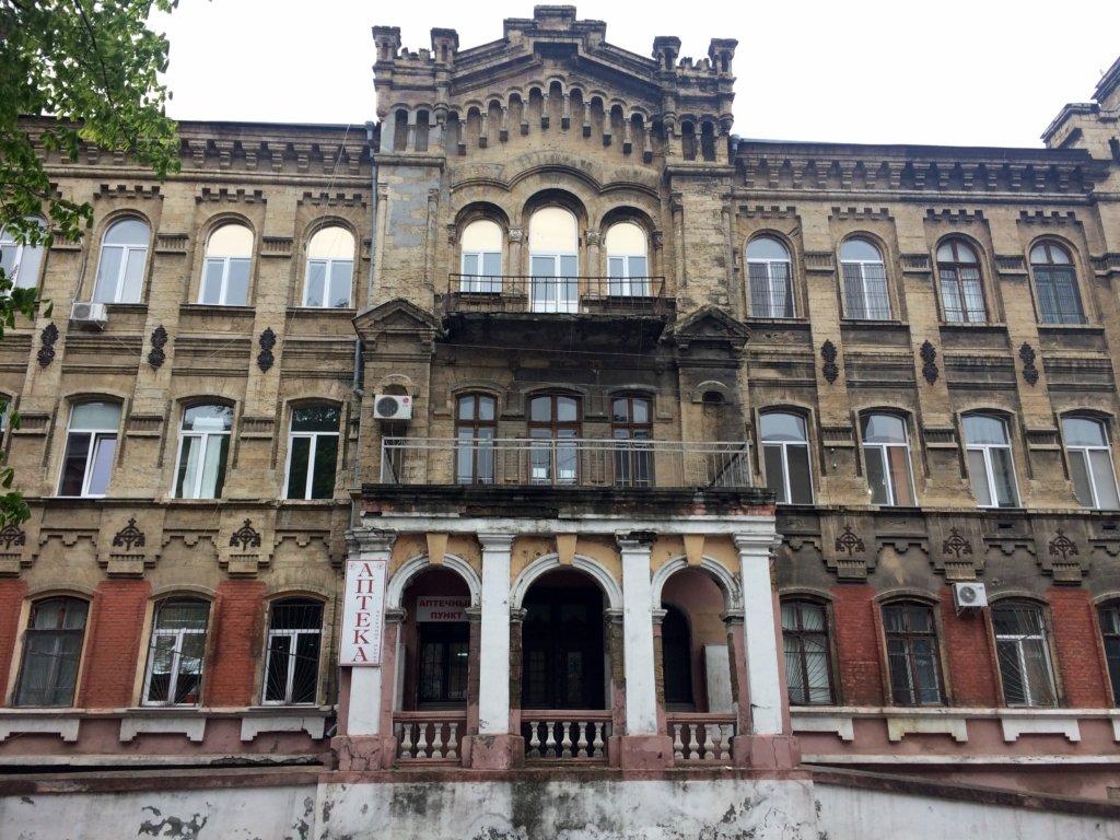 Сплошная разруха: в сети показали, как выглядит больница в Одессе