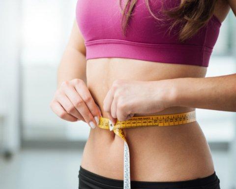 Назван витамин, нехватка которого не дает похудеть: что нужно есть