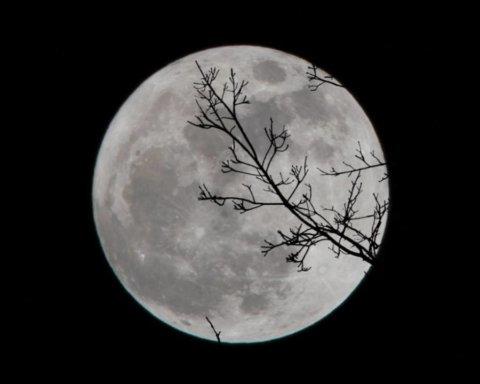 Повний Місяць 14 жовтня: чому найближча ніч особлива та як уникнути неприємностей