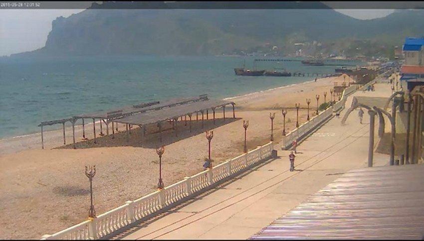 «Не сезон»: на фото показали пустые пляжи в оккупированном Крыму