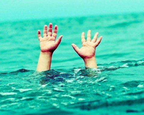 Врачи совершили чудо, спасая ребенка, который тонул в Днепре