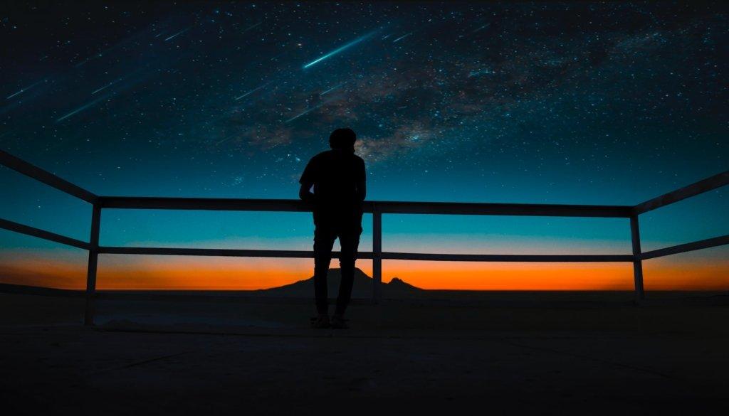 Земле угрожают удары: астрономы обеспокоены приближением «звездопада»