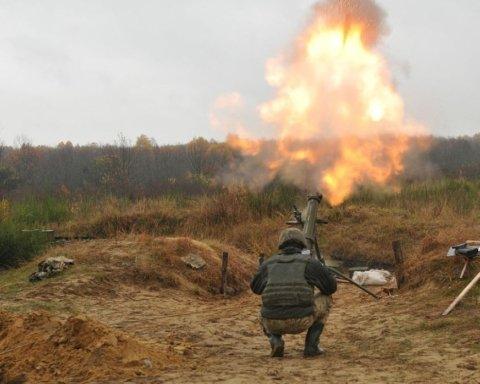 Боевики на Донбассе обстреляли жилые кварталы: ранили женщину и ребенка