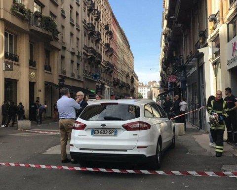 Вибух у Ліоні: Макрон терміново звернувся до французів