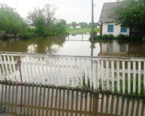 В Украине затопило еще одну область: опубликованы фото