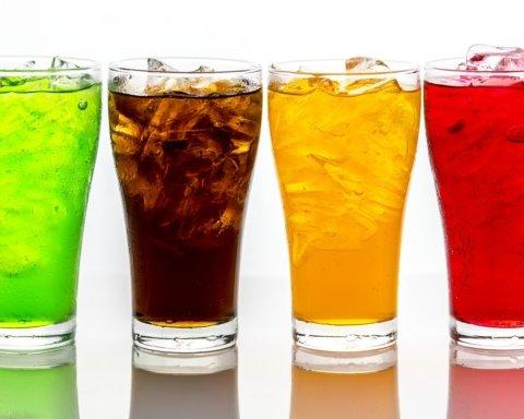 Осторожно, яд: названы напитки, провоцирующие страшные болезни