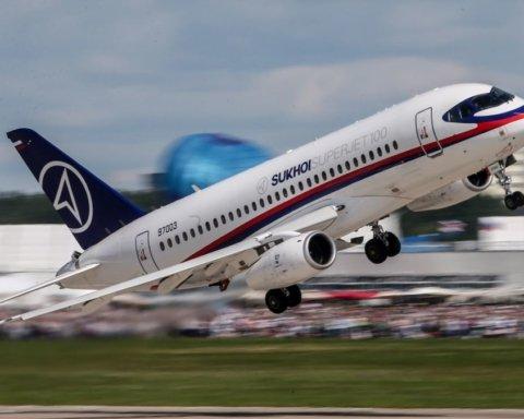 В России произошло новое ЧП со скандальным самолетом: первые подробности