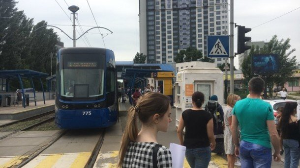В Киеве остановились скоростные трамваи: что происходит