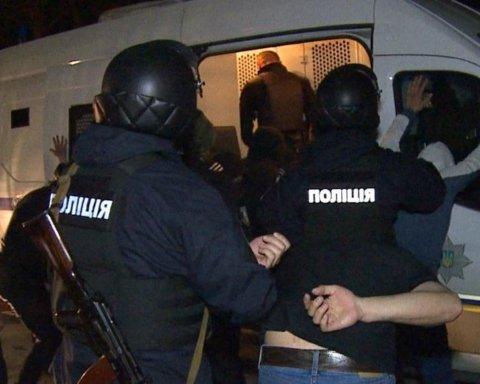 Десятки «титушек» пытались захватить завод в Виннице: фото, видео и все подробности