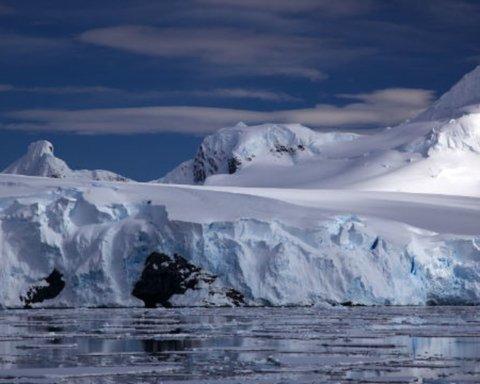 Дивовижне відкриття: вчені з'ясували, що захищає від танення Антарктиду