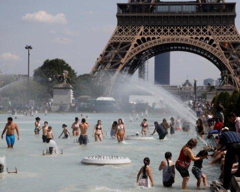 В Лондоне и Париже уже под 40: жара в Европе достигла пика