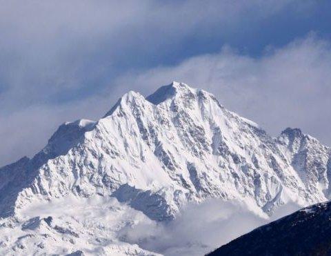 Гибель альпинистов в Гималаях: найденная камера показала последние часы их жизни