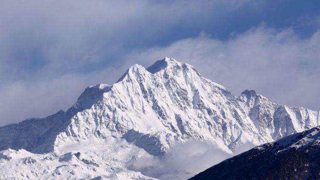 В Гималаях нашли тела семерых туристов, пропавших месяц назад