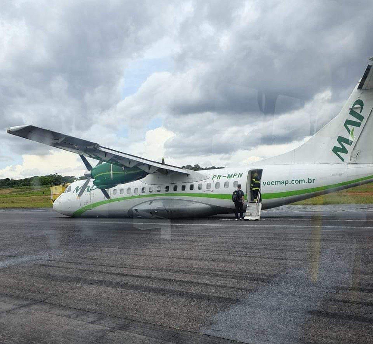 Волшебное спасение: в Бразилии пилот умудрился посадить самолет без шасси