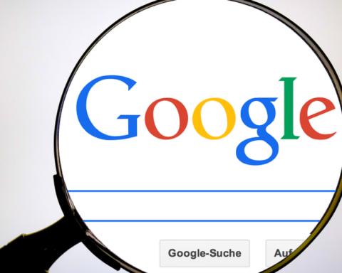 Роскомнагляд погрожує Google через рекламу несанкціонованих мітингів